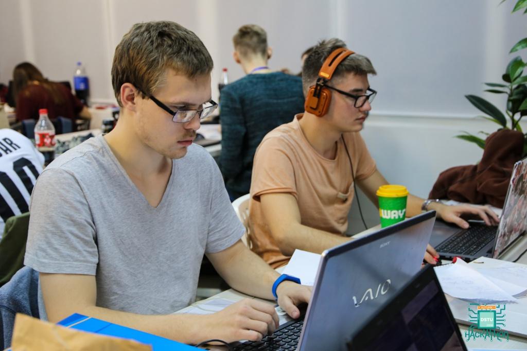 Команда ВолГУ – среди призеров хакатона Autumn DSTU 2018